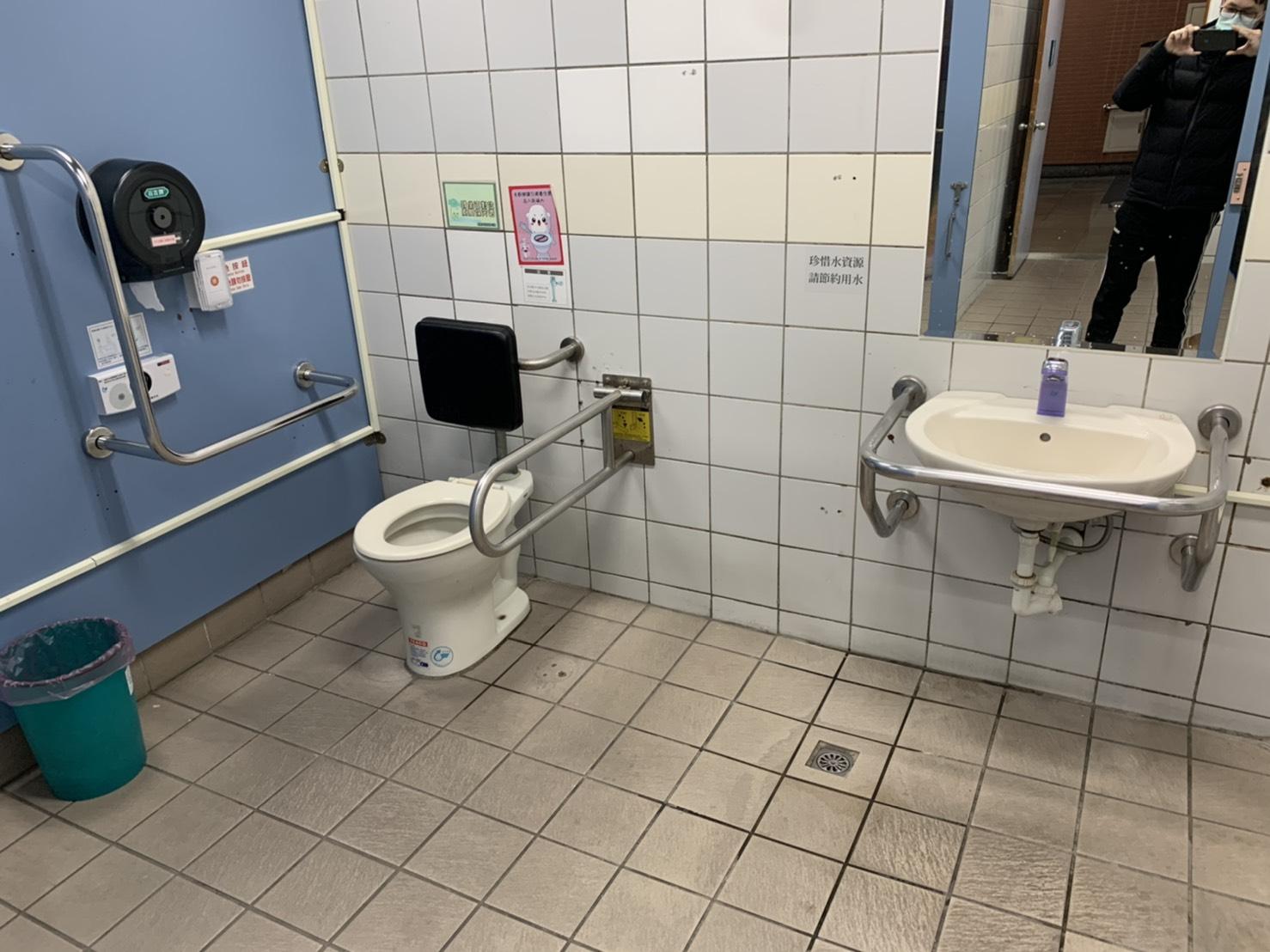 無障礙男廁-1